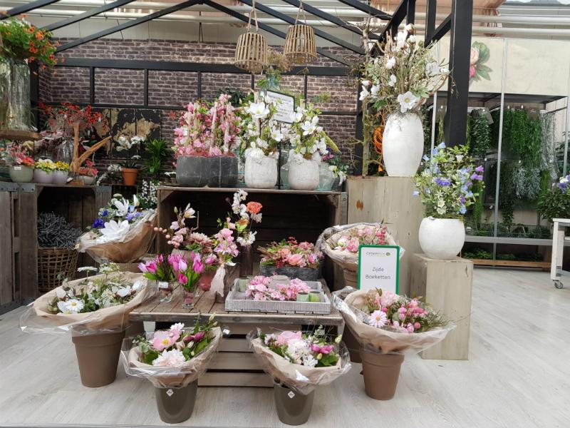 Kunstbloemen en planten tuincentrum nabij Breda